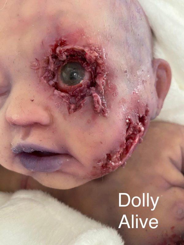 Bebé Zombi - Reborn- Dolly Alive