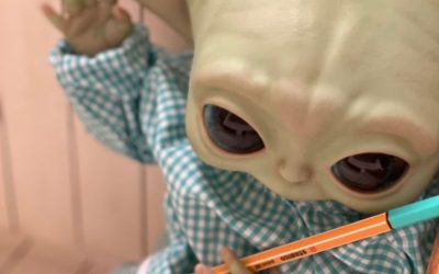 Alumno Baby Yoda y Dolly Alive School